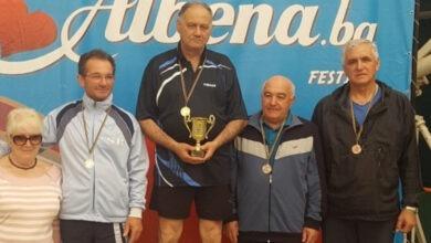 tenis-masa-veterani